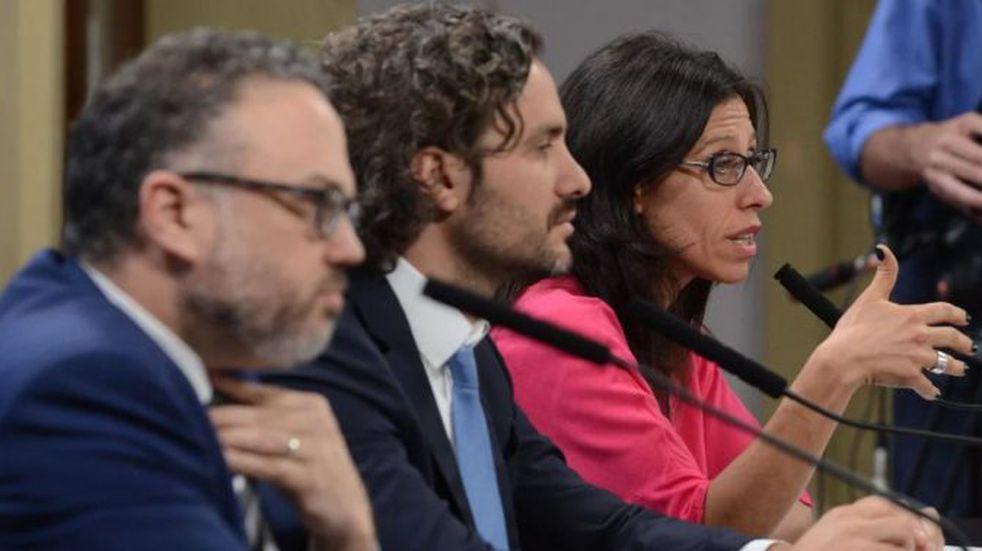 Matías Kulfas, Santiago Cafiero y Paula Español, durante la presentación del programa. (Foto: Emmanuel Fernández)