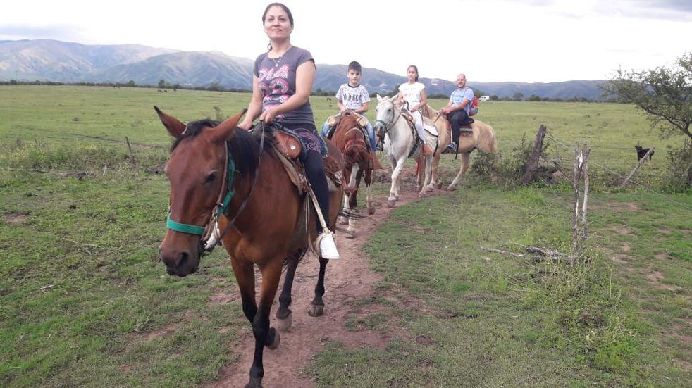 Cabalgatas en Pampa de Olaen.