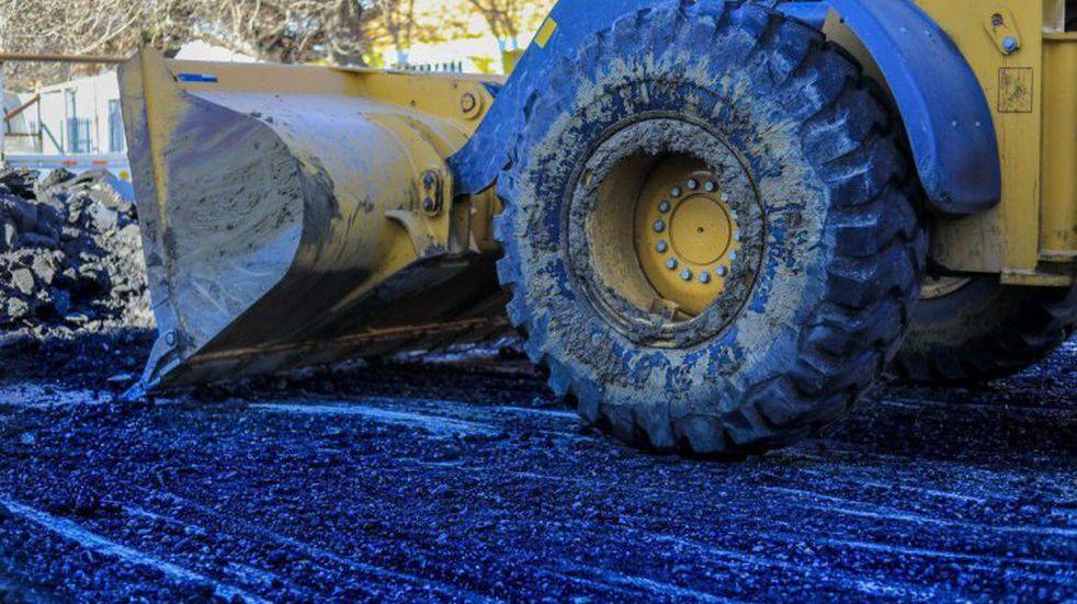 Ushuaia: realizan tareas de repavimentación en el B° Malvinas