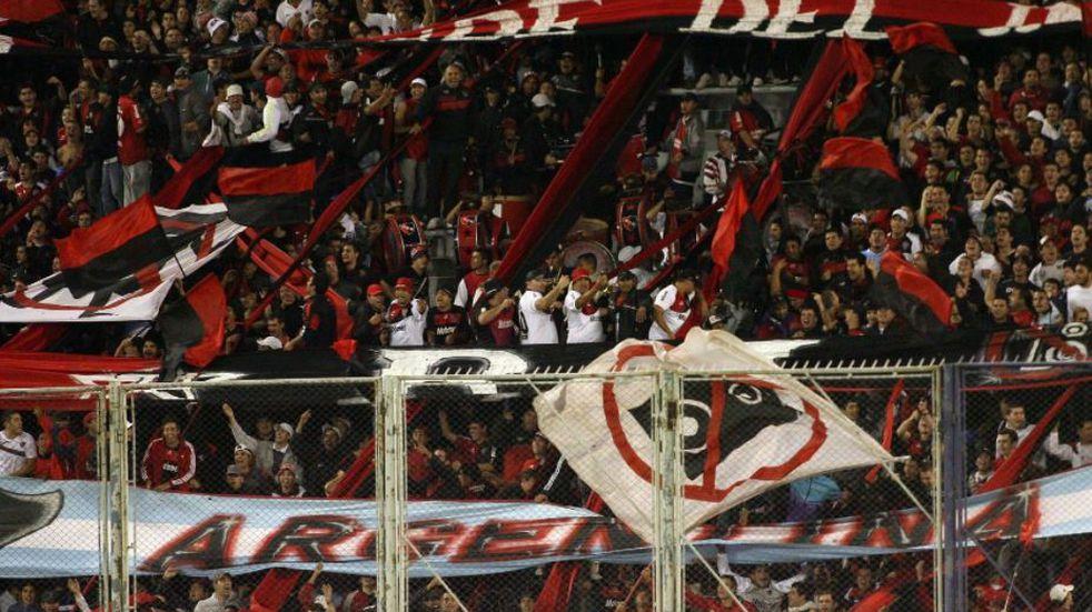 Newell's se encuentra sumido en deudas y el nuevo presidente Ignacio Astore intentará resolver la situación financiera del club.