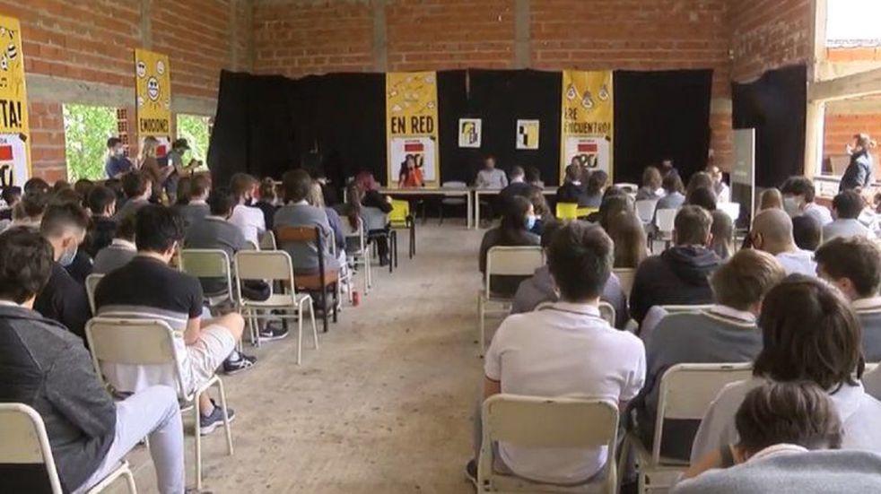 3 candidatos participaron del debate.