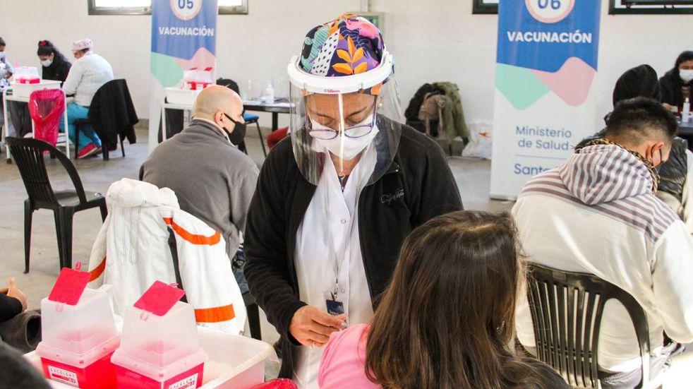 Vacuna COVID-19 en Santa Fe: Santa Fe es una de las cinco provincias con más inoculación