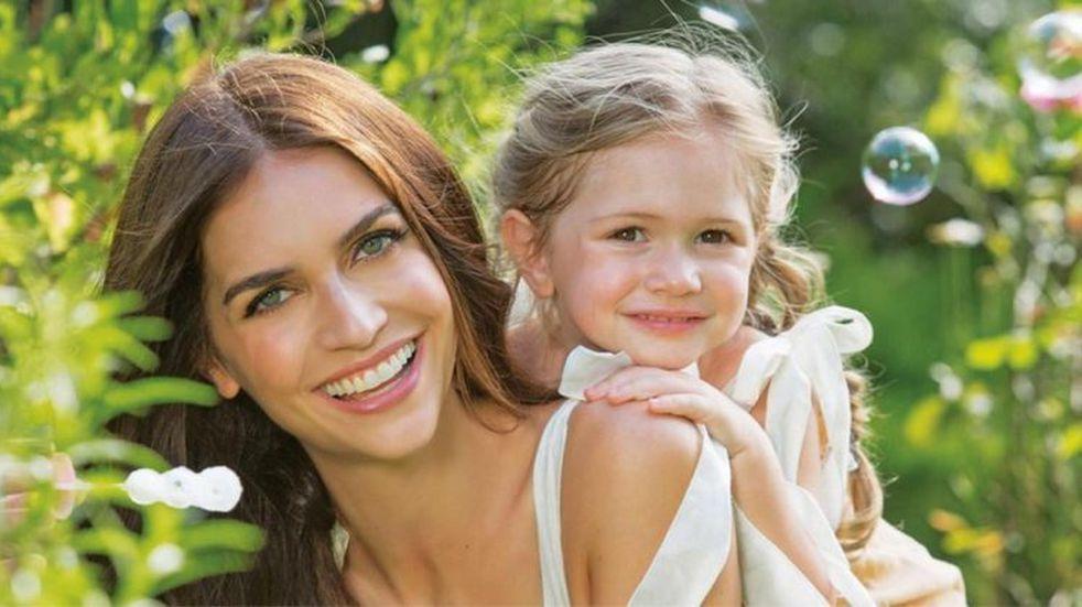 Las dulces fotos Zaira Nara y su hija Malaika abrazando su pancita