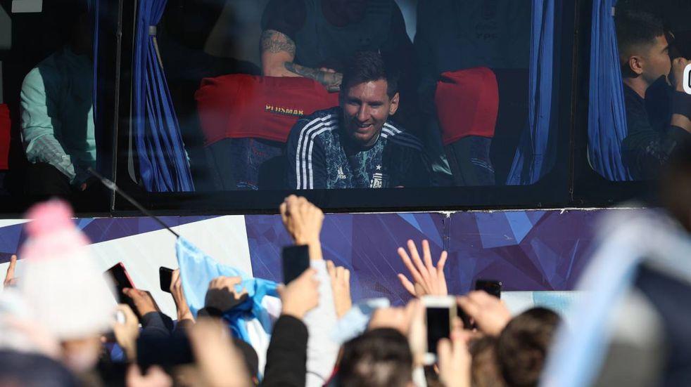 """""""No me digas que es Messi"""": la emoción del abuelo de 100 años al que la Pulga le envió un saludo"""