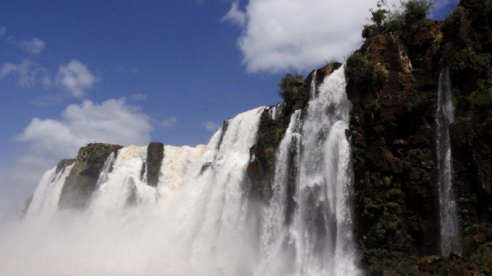 Cataratas del Iguazú: buscan la habilitación de forma parcial del circuito inferior