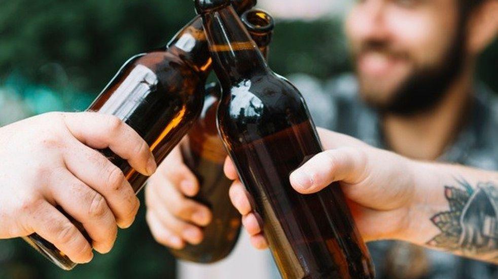 Una cervecería les pagará a quienes caminen por un sendero tomando cerveza