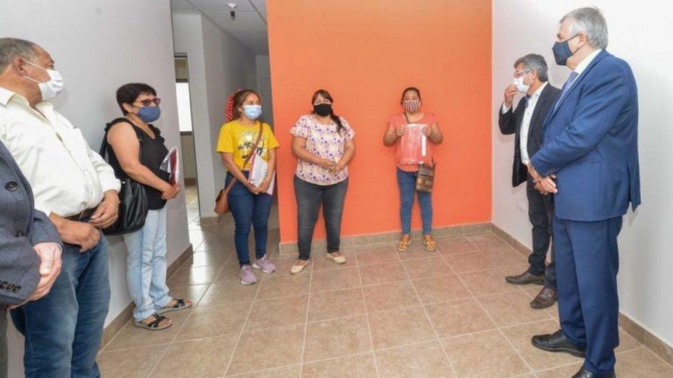Familias de trabajadores fallecidos del Ingenio La Esperanza recibieron viviendas