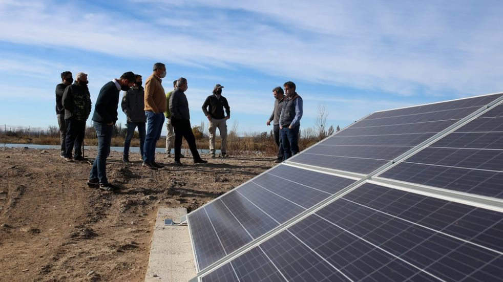 Innovador proyecto de riego por goteo con energía solar en el Valle de Uco