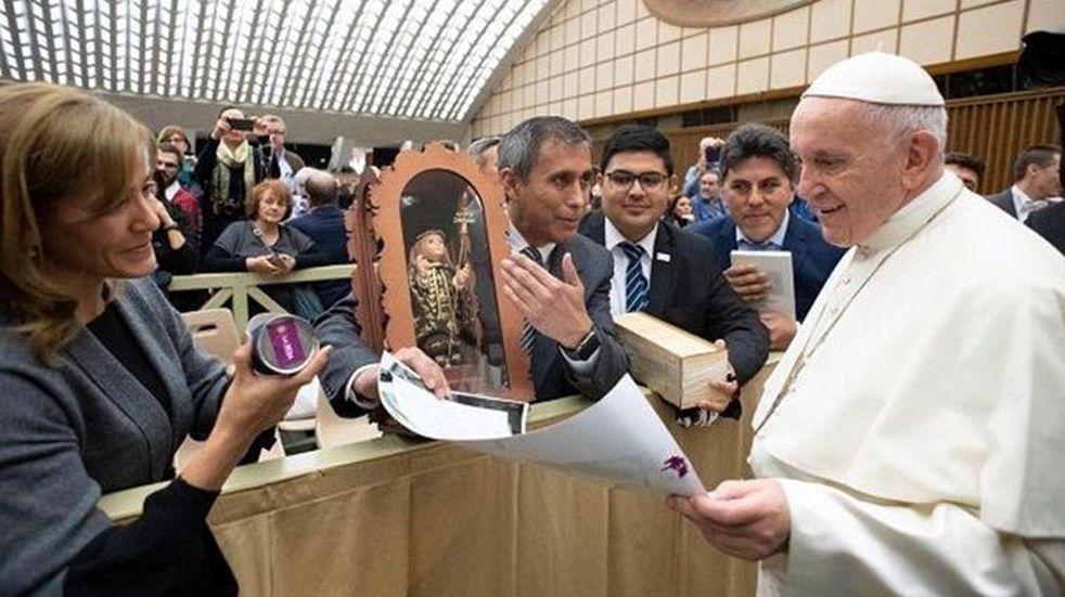 El intendente Paredes Urquiza aseguró que el Papa podría llegar a La Rioja