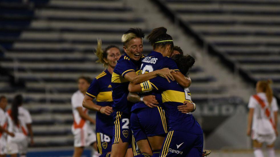 Boca goleó 7-0 a River y es el primer campeón profesional del fútbol femenino