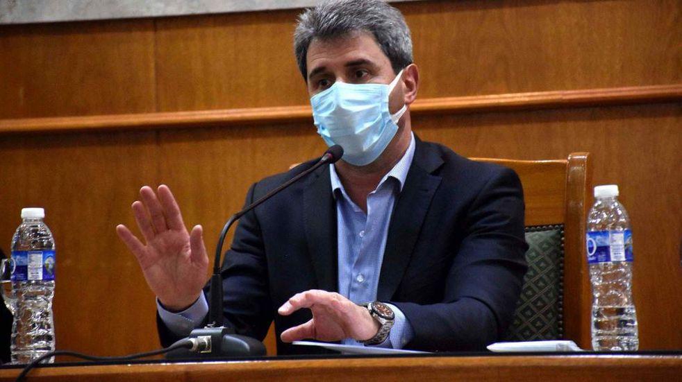 Uñac criticó la suspensión del feriado puente del 24 de Mayo