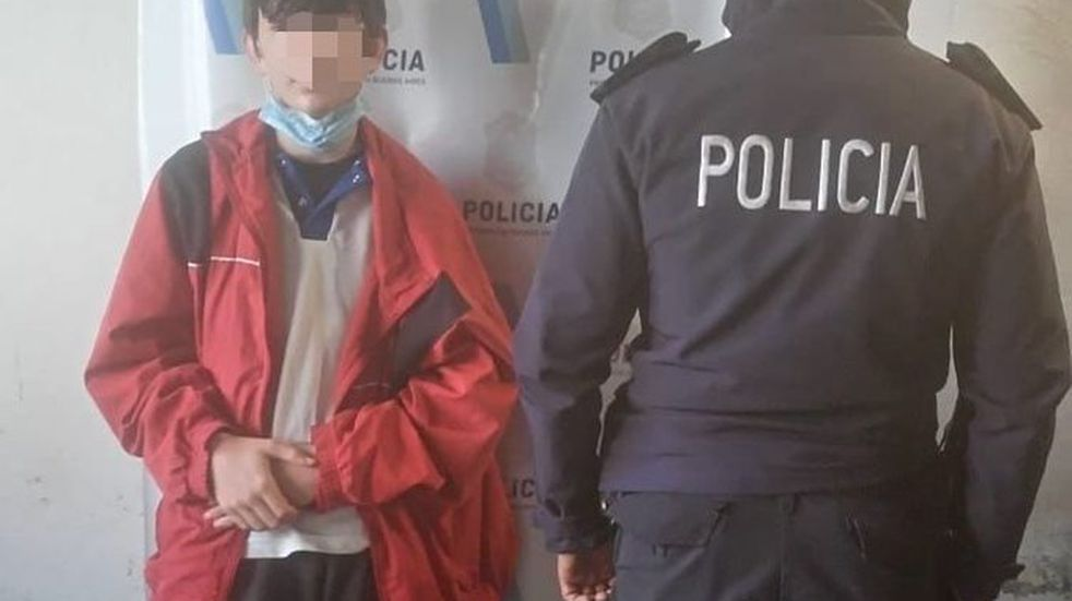 """El niño de 13 años que apareció en Ciudad Evita """"está bien"""", pero pasará una noche bajo observación médica"""