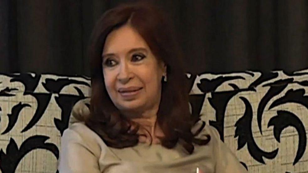 Cristina Kirchner empezó a dar señales de su estrategia nacional hacia las elecciones