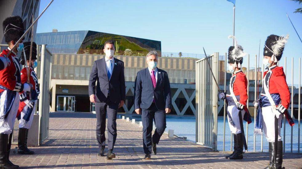 Manuel Calvo encabezó el acto del Gobierno de Córdoba por la celebración del 25 de Mayo