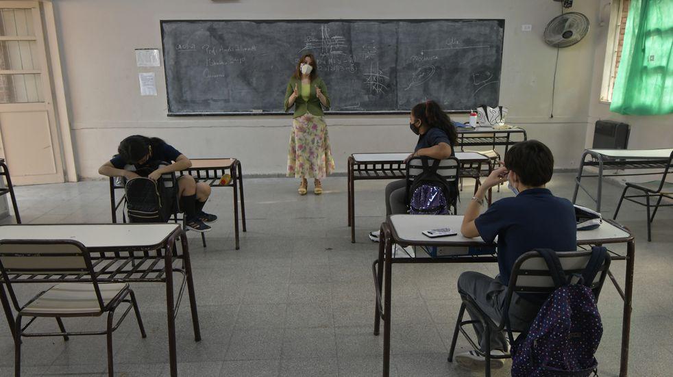 Este viernes comenzaría la vacunación de docentes en Mendoza
