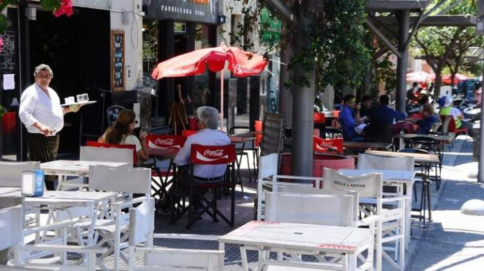 Sunchales limita la gastronomía al aire libre