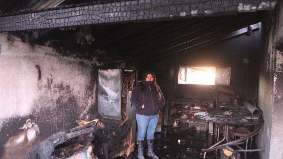 Una pelea entre vecinos neuquinos terminó con 62 chivas calcinadas y una casa quemada