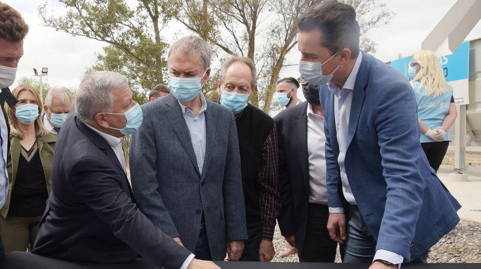 Juan Schiaretti inauguró la obra de saneamiento en Arroyito