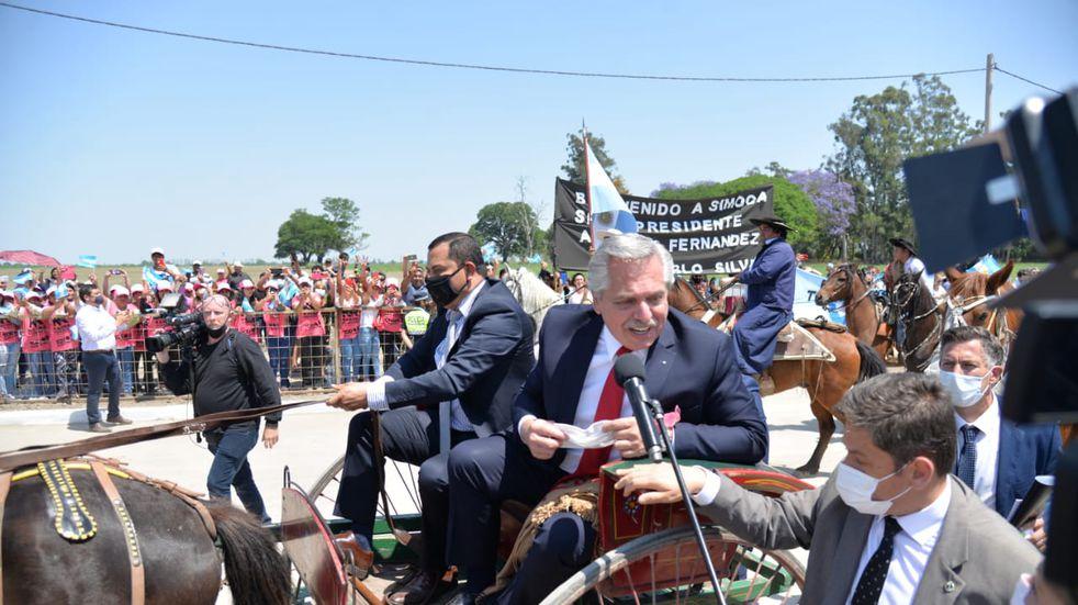 El presidente inauguró la Fábrica de Dulces Regionales de Simoca.