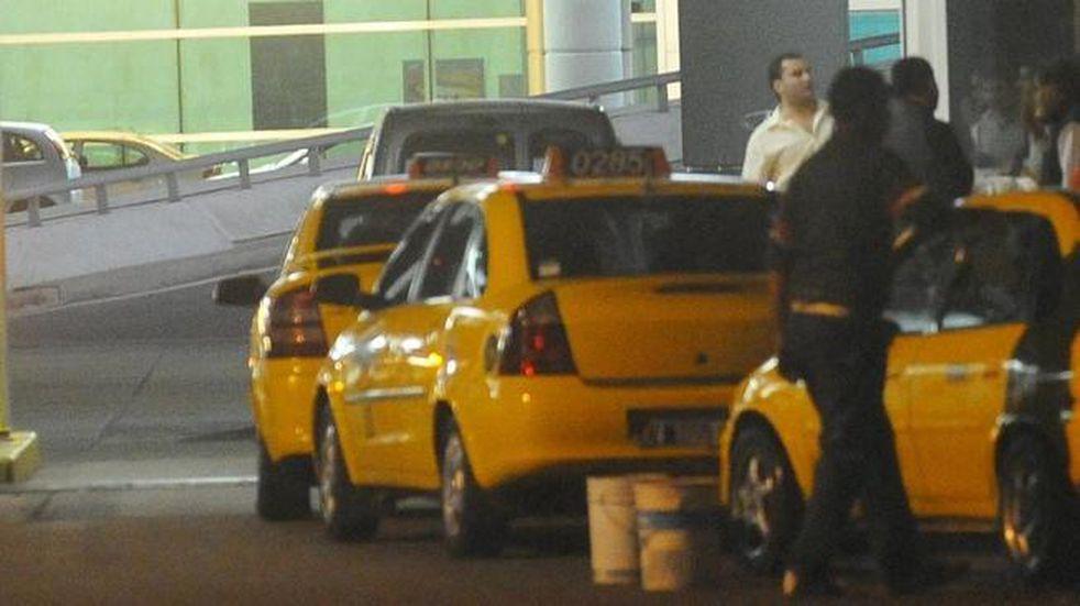 San Luis comenzó la semana con reclamos de docentes y taxistas