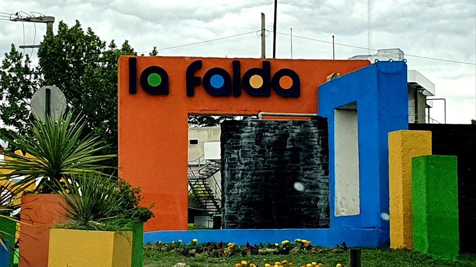 Ingreso a la ciudad de La Falda. Enero 2021. (Foto: VíaCarlosPaz).