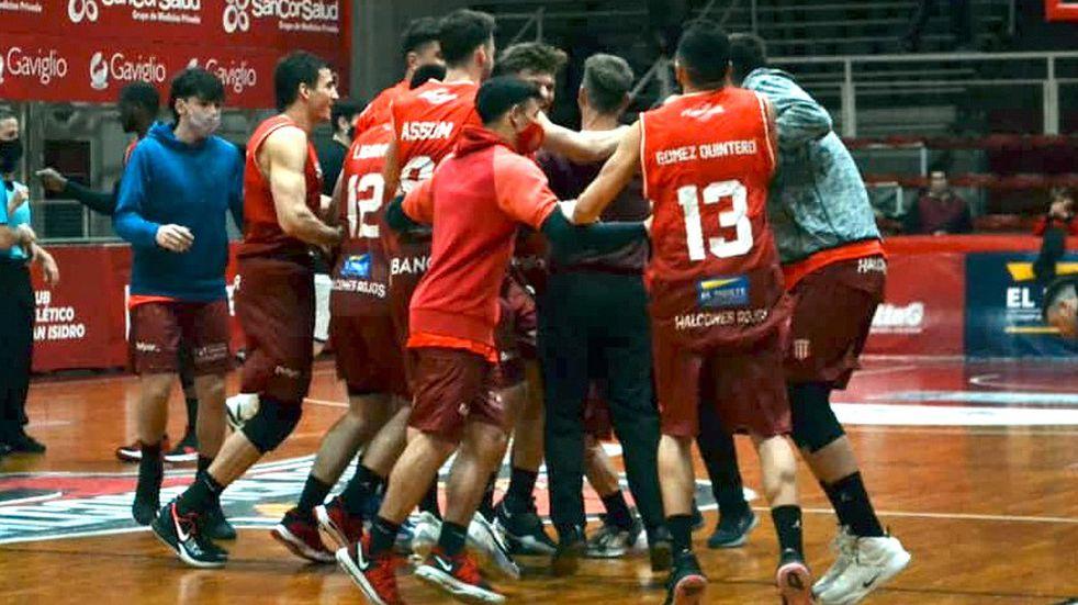 San Isidro ganó por Liga Argentina y el miércoles define su clasificación a playoffs