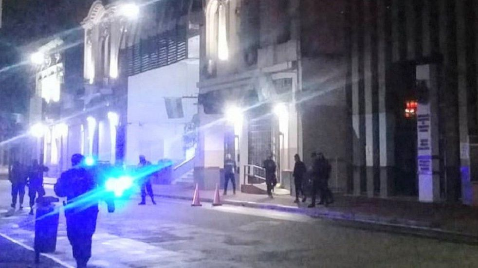 Balearon el frente del sindicato Empleados de Comercio en Rosario