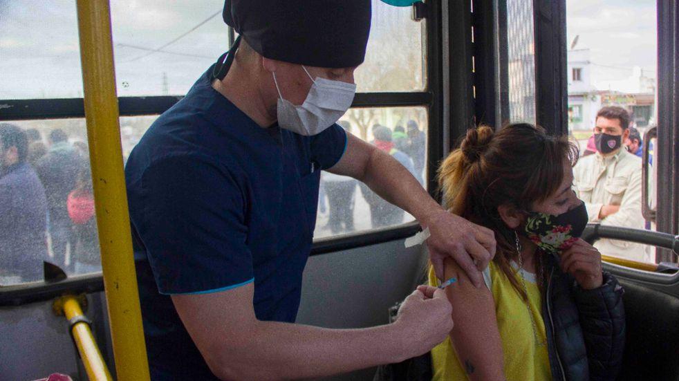 Vacunatorio móvil: este sábado estará en el Barrio Pedro Burgos
