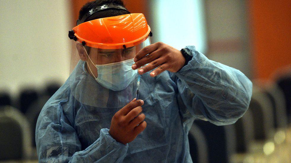 Intensifican la campaña de vacunación en Salta y piden a la gente que se acerque a los centros de salud