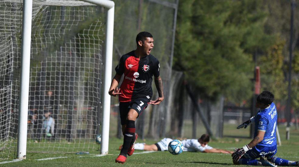 Enzo Cabrera se fue a España y Newell's ya cuenta una decena de bajas