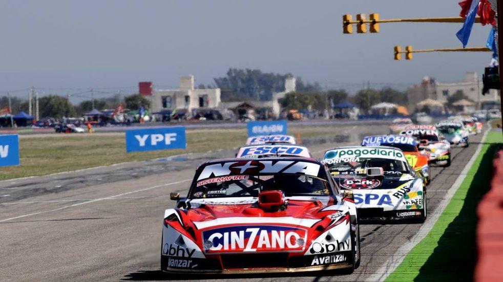 TC en el Autódromo Rosendo Hernández