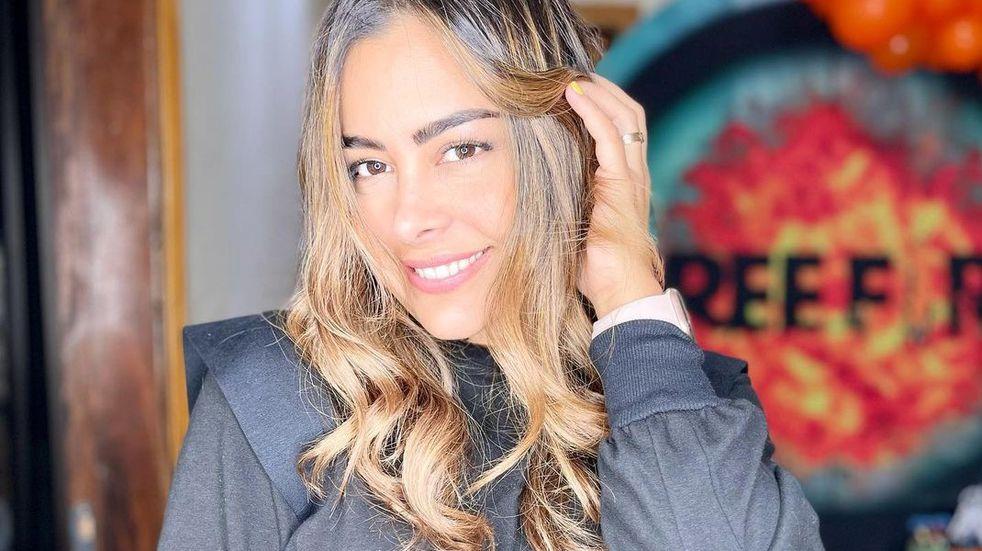 Larissa Riquelme posó en ropa interior desde la cama y deslumbró a sus seguidores