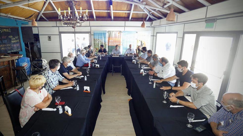 El intendente Uset estuvo con el gobernador y sus ministros en Monte Hermoso