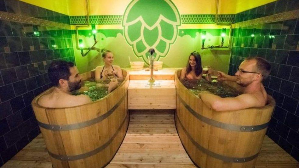 Cómo es el primer spa de cerveza que abrió en la Argentina