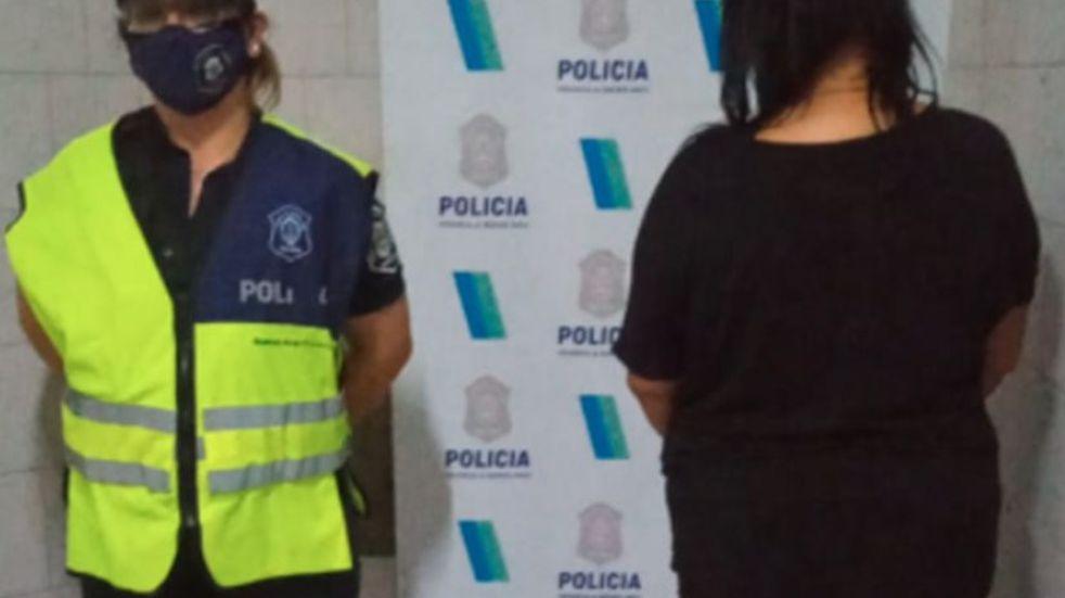 Una mujer apuñaló a su pareja en el pecho y fue detenida