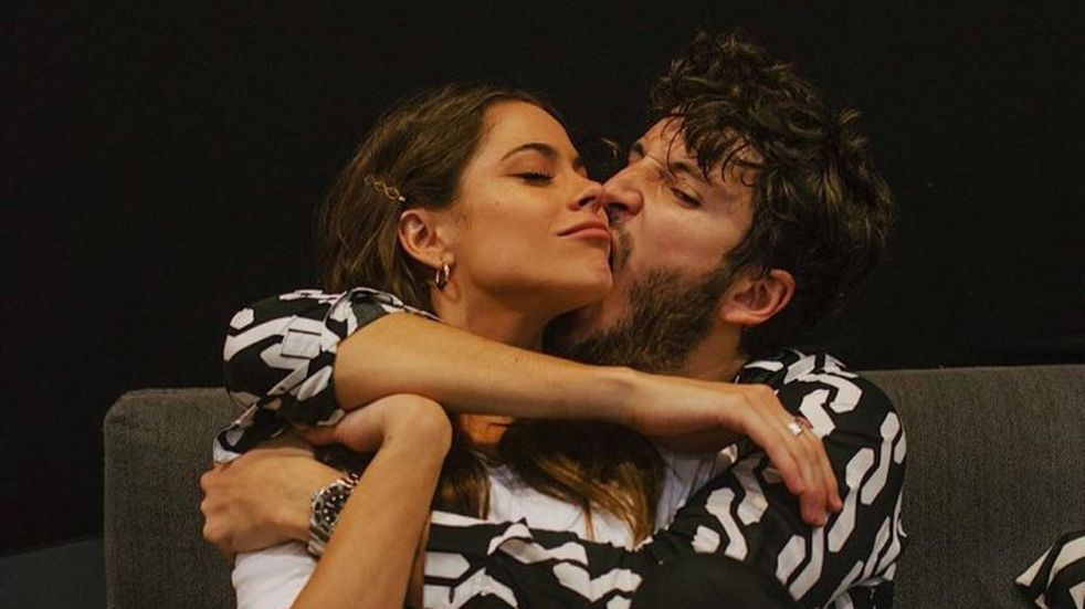 El incómodo momento que pasó Sebastián Yatra al confesarle su amor a Tini Stoessel
