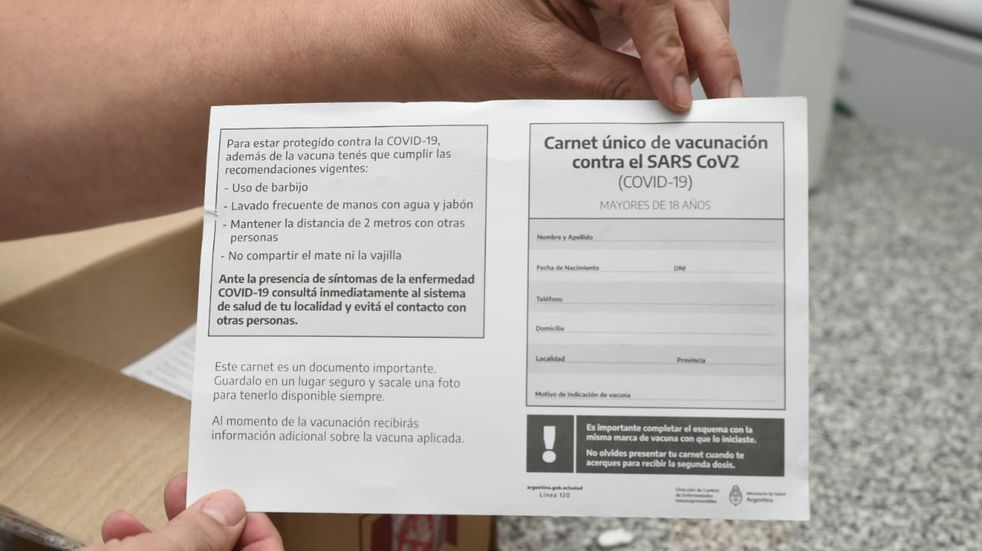 La provincia de Buenos Aires no usará los 20 millones de carnets de vacunación que el Gobierno compró