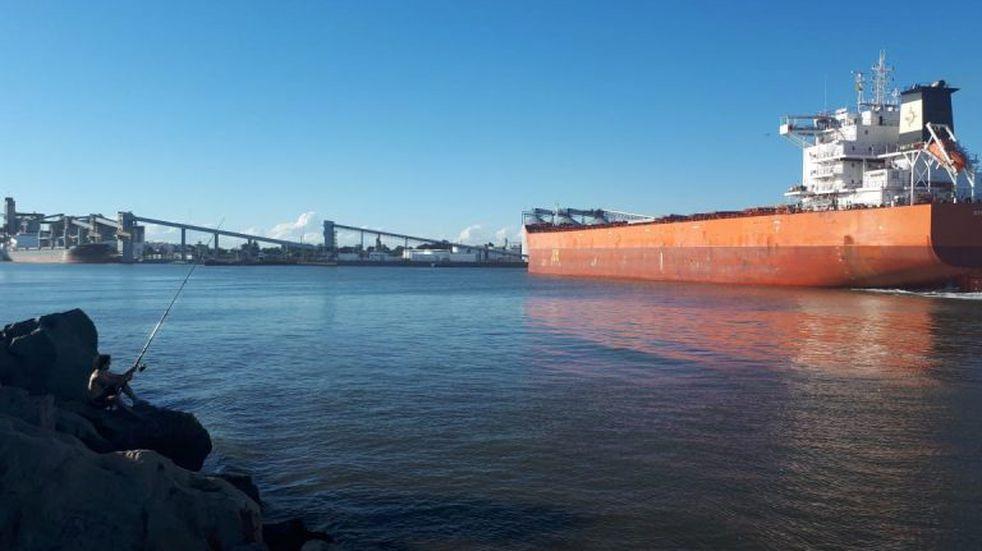 Puerto Quequén abre marzo con un embarque de 71 mil toneladas de trigo