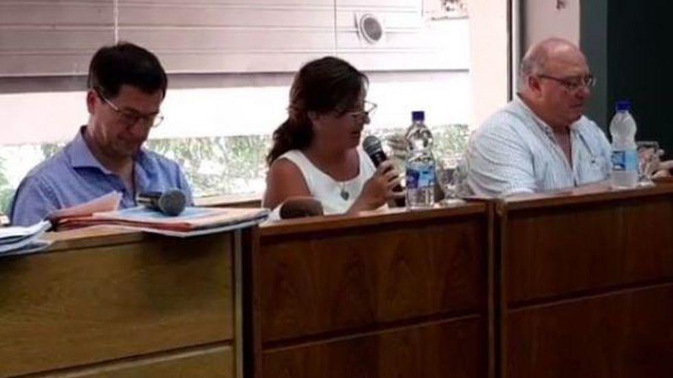 Los concejales y la tribuno de la UCR Arroyito autorizaron la donación del aguinaldo para el fondo de comerciantes
