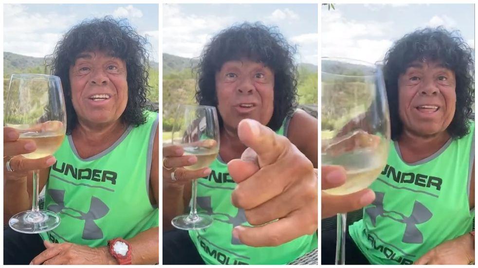 """La Mona Jiménez anunció un """"regalazo"""" para el brindis de Navidad"""