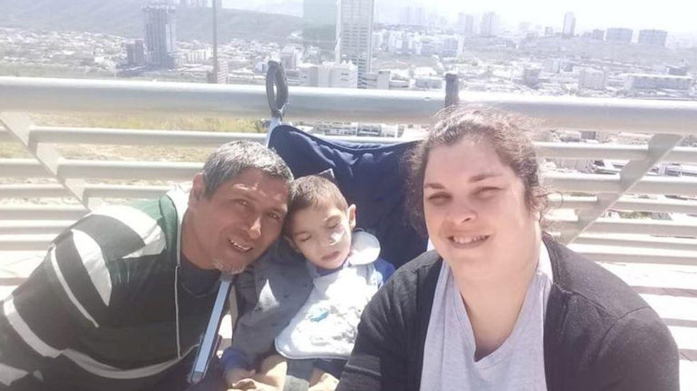 """Lauti Vázquez vuelve a Azul luego de tratarse en México: """"Está muy bien"""""""