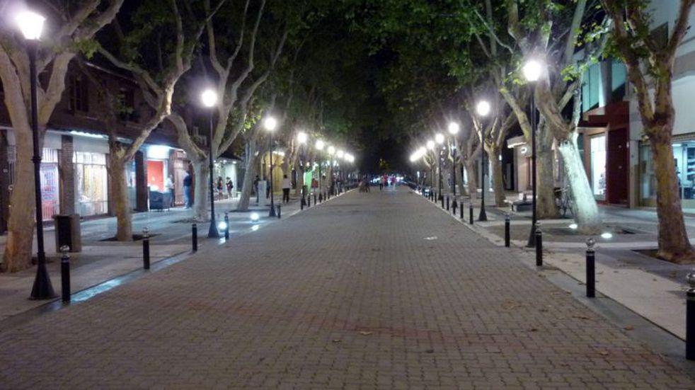 Se licitó la compra de luminarias LED para el alumbrado público de 200 cuadras en Viedma