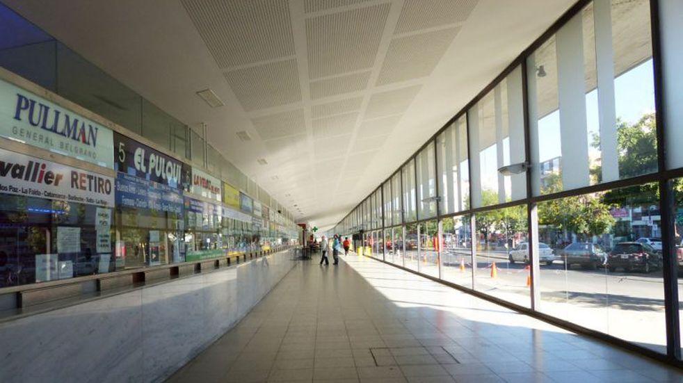 Una rosarina volvió de Australia y no recibió controles en Ezeiza ni en la Terminal de Ómnibus local