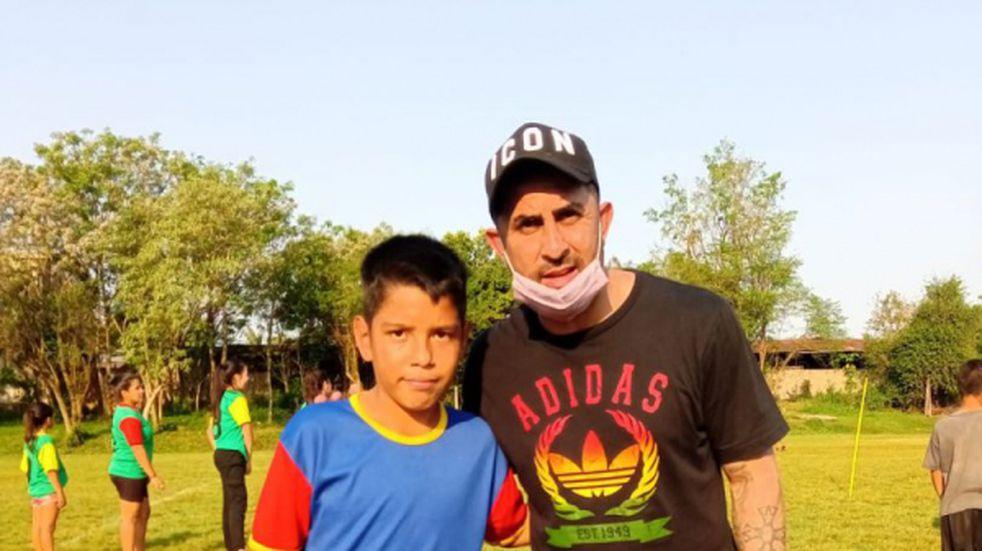 """Daniel """"Rolfi"""" Montenegro visitó Eldorado y brindó una clínica de fútbol"""
