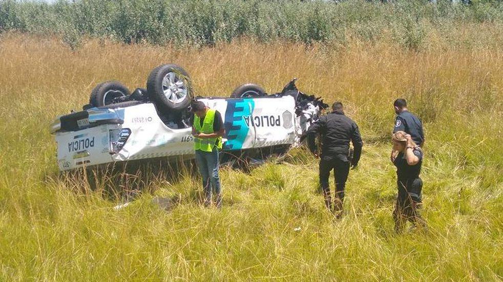 Volcó un patrullero que venía en caravana para el Operativo Sol: un policía resultó herido