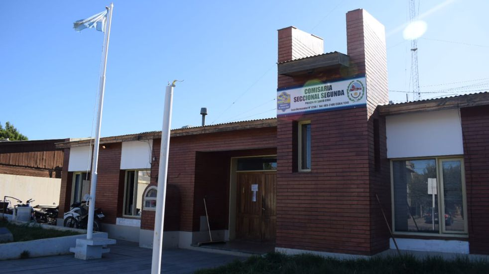 Nuevamente las comisarías de Caleta Olivia son investigadas: un detenido se habría quitado la vida en su celda