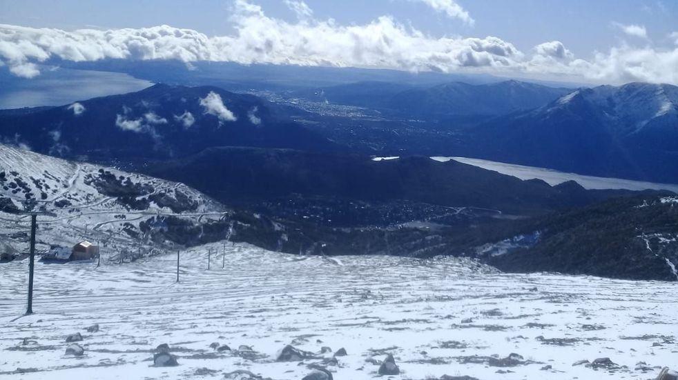 En pleno enero, cayó la primera nevada del 2021 en Bariloche