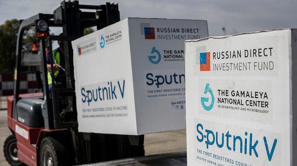 Llegó a Salta un lote de 19.300 dosis del primer componente de la vacuna Sputnik-V