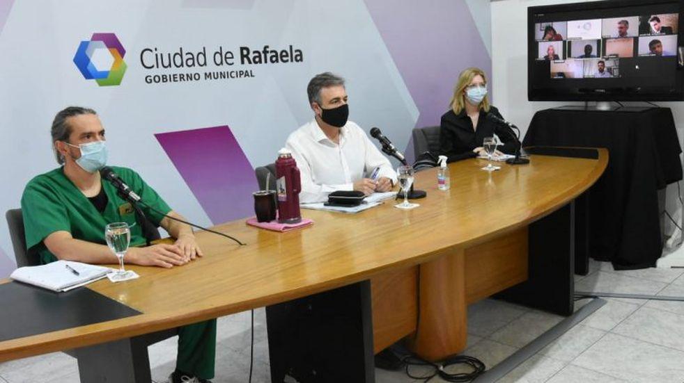 Restricción de actividades: para la oposición, Castellano les mintió y el oficialismo se defiende