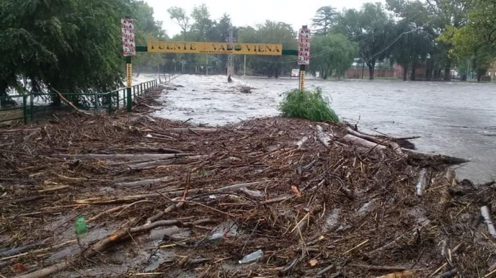 Importante creciente del río Santa Rosa